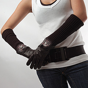 Wear Brooch on Gloves