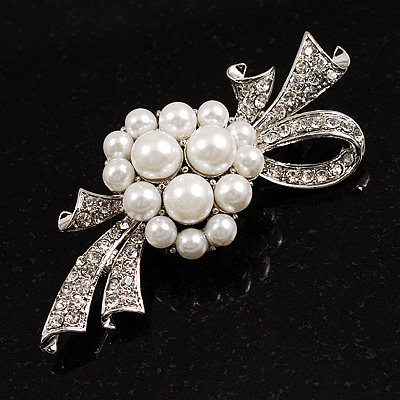 Snow White Imitation Pearl Bow Brooch - main view