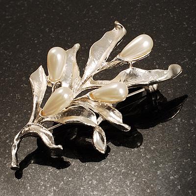 Matte Silver Tone Imitation Pearl Floral Brooch