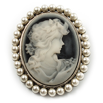 Classic Simulated Pearl Cameo Brooch (Silver Tone)