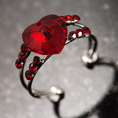 Romantic Red Crystal Heart Ring - avalaya.com from avalaya.com